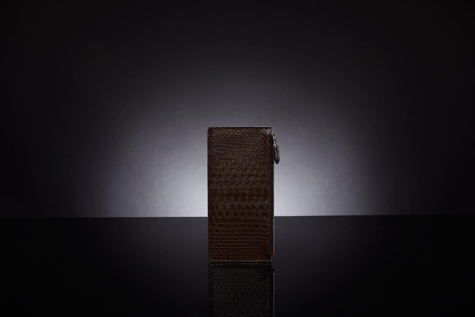 BRIE CARD HOLDER