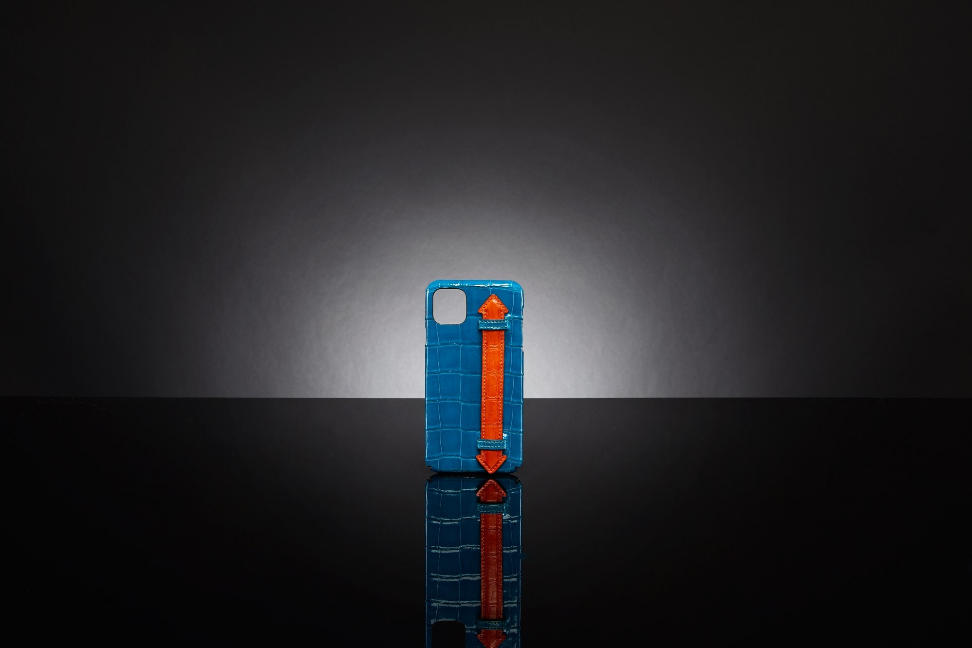IPHONE 11 PRO MAX CASE WITH HANDLE